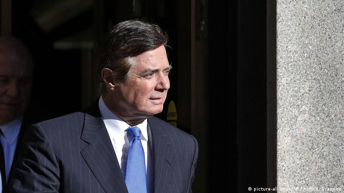 Paul Manafort leaves Federal District Court in Washington, Monday, Oct. 30, 2017