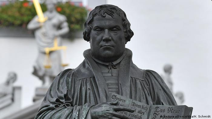 Statue of Martin Luther (picture-alliance/dpa/H. Schmidt)