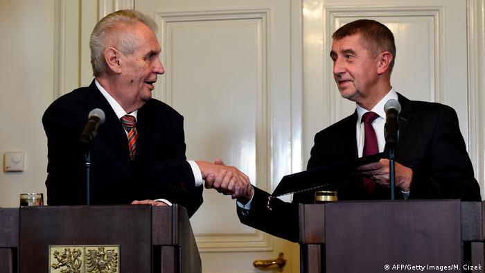 Президент Чехии Милош Земан и действующий премьер Андрей Бабиш