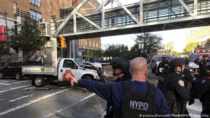 Atentado com caminhonete mata e fere em Manhattan