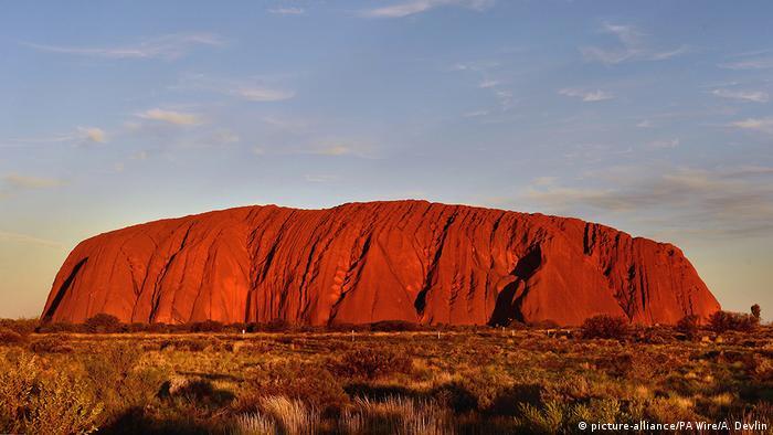 australia s tourism industry is under threat dw travel dw. Black Bedroom Furniture Sets. Home Design Ideas