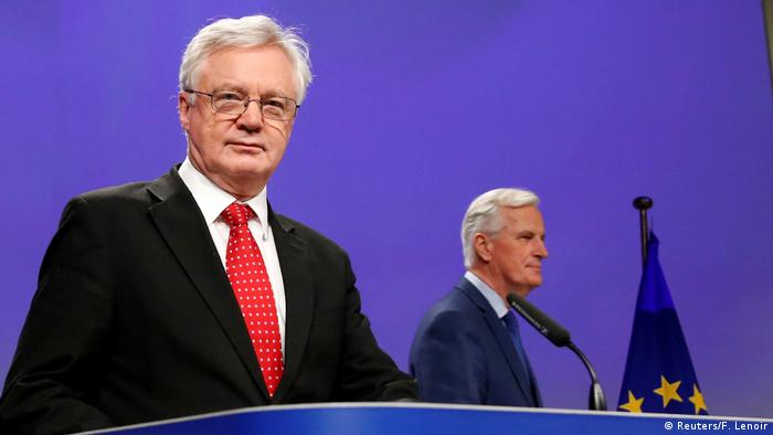 Brüssel EU Brexit PK David Davis und Michel Barnier (Reuters/F. Lenoir)