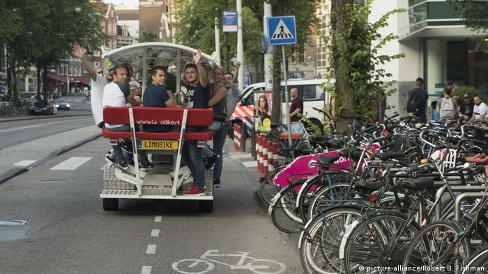 Bierbike (picture-alliance/Robert B. Fishman)
