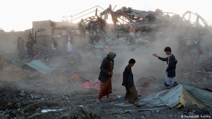 A destruição causada pela guerra na cidade de Saada, no noroeste do país