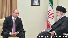 Teheran, Russlands Präsident Wladimir Putin trifft sich mit Ayatollah Ali Khamenei