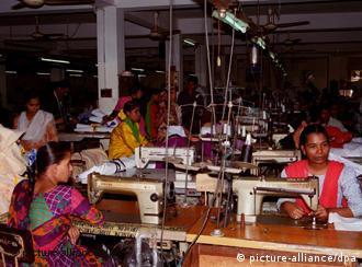 Textilarbeiterinnen in Bangladesch (Foto: dpa)