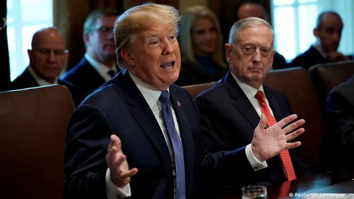 Washington, US-Präsident Donald Trump spricht während einer Kabinettssitzung im Weißen Haus (Reuters/K.Lamarque )