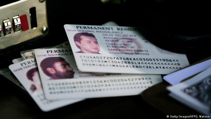 US Greencard - Permanent Resident Card (Getty Images/AFP/J. Watson)
