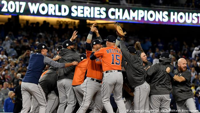 USA The World Series | Baseball L.A. Dodgers - Houston Astros (picture-alliance/SGVT via ZUMA/Keith Birmingham)