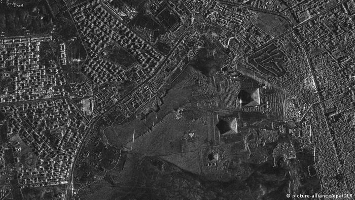 Ägypten Neue 3D-Landkarte der Erde - Pyramiden von Gizeh (picture-alliance/dpa/DLR)