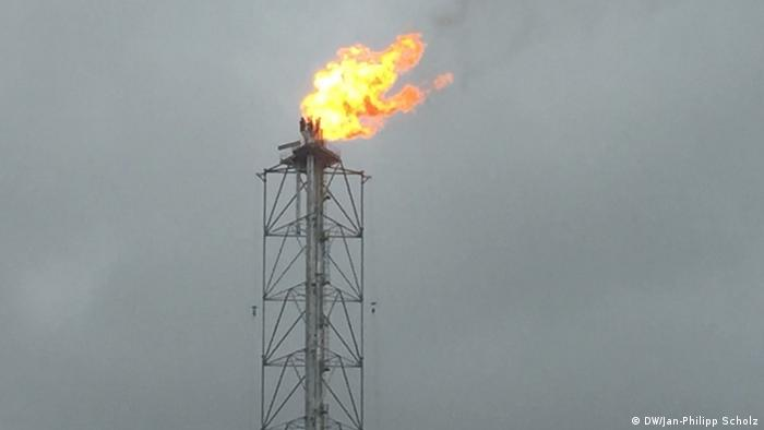 Gas flaring (photo: DW/Jan-Philipp Scholz)