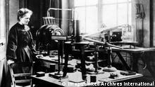 150. Geburtstag Marie Curie | Marie Curie im Labor