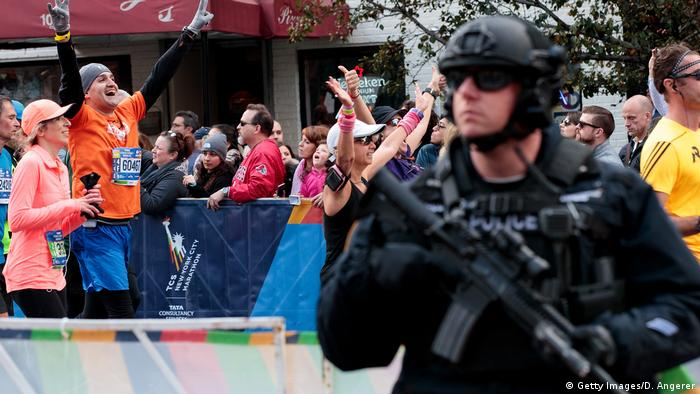USA New York City Marathon 2016 | Polizist, Sicherheit