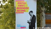 Wahlplakate - Bundestagswahl 2017, FDP - Christian Lindner - Digital first. Bedenken second