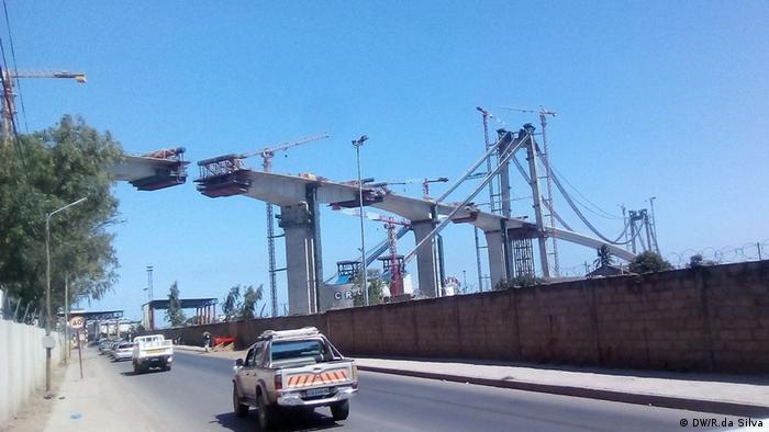 Bauarbeiten: Brücke zwischen Maputo und Katembe (DW/R.da Silva)