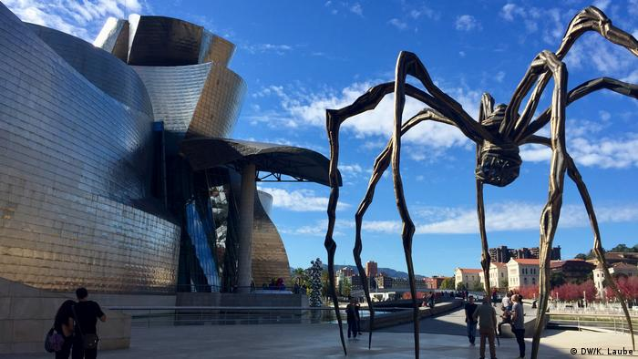 Maman sculpture by Louise Bourgeois (DW/K. Laube)