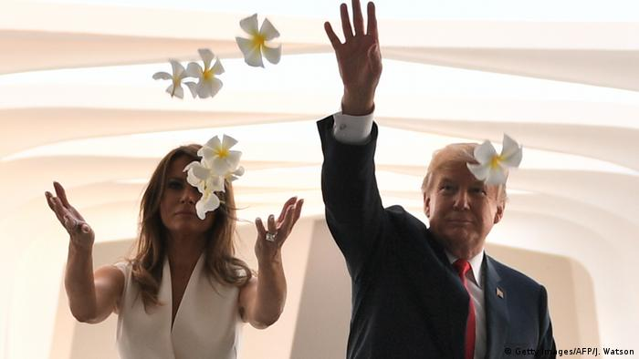 USA Hawai Besuch Trump Melania Blumen (Getty Images/AFP/J. Watson)