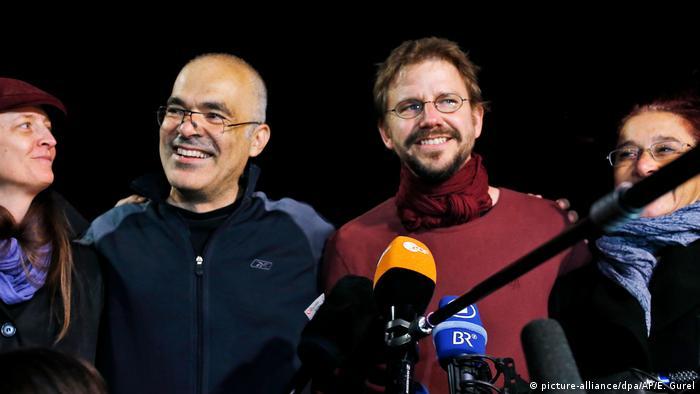 Türkei Istanbul - Peter Steudtner und Ali Gharavi (picture-alliance/dpa/AP/E. Gurel)