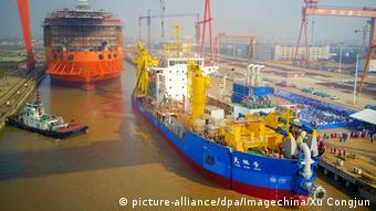 China Saugbagger Hafen von Nantong (picture-alliance/dpa/Imagechina/Xu Congjun)