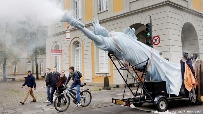 Proteste in Bonn gegen den Austritt der USA aus dem Pariser Klimaschutzabkommen.