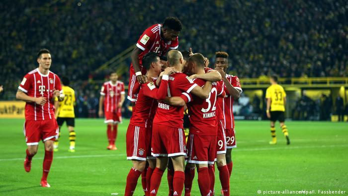 Fußball Bundesliga Borussia Dortmund - FC Bayern (picture-alliance/dpa/I. Fassbender)