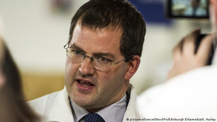 Шотландский министр подал в отставку из-за «непозволительного поведения»