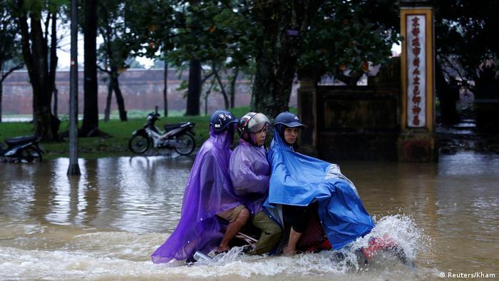 Taifun Damrey in Vietnam (Reuters/Kham)