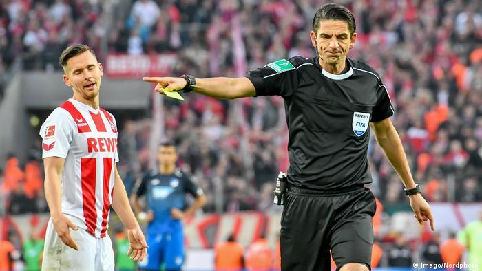 Bundesliga'da Türkiye kökenli hakem Deniz Aytekin de görev yapıyor.