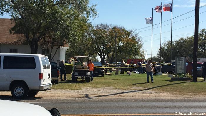 USA Texas Schießerei Kirche in Sutherland Springs (Reuters/M. Massey)