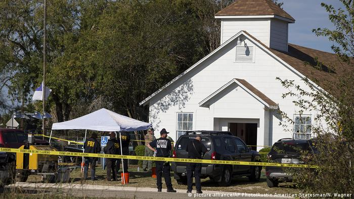 Sutherland Springs church crime scene (picture-alliance/AP Photo/Austin American-Statesman/N. Wagner)