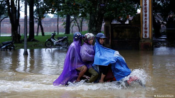 Vietnam Taifun Damrey (Reuters/Kham)