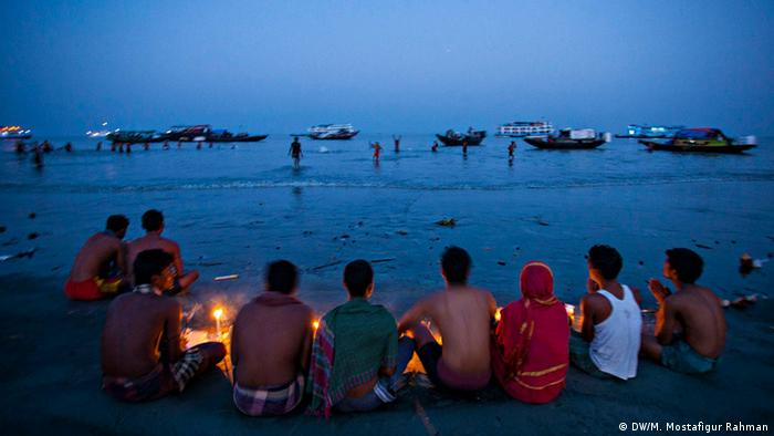 Bangladesch Rash Mela in Sundarbans (DW/M. Mostafigur Rahman)
