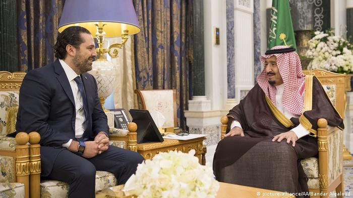 Saudi-Arabien Riad König Salman und Saad Hariri Ex-Premierminister Libanon (picture-alliance/AA/Bandar Algaloud)