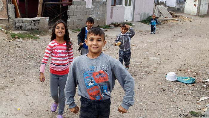 Deca u romskom naselju u Nišu, 2017.
