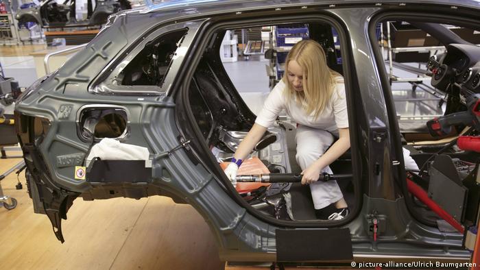 Produktion des AUDI A3 im AUDI Werk in Ingolstadt (picture-alliance/Ulrich Baumgarten)