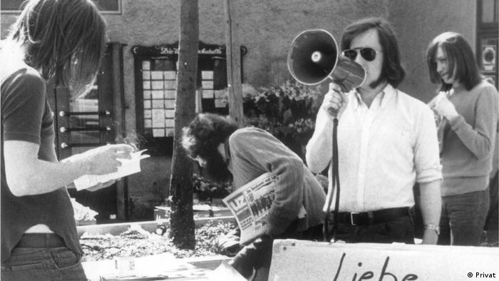 A pocos meses del golpe militar, los estudiantes organizados denunciaban la realidad de los presos políticos en Chile.