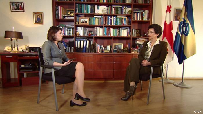 Нино Бурджанадзе во время интервью с Жанной Немцовой