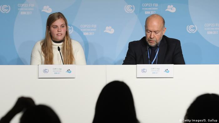 COP23 Klimakonferenz in Bonn Sophie Kivlehan und James Hansen (Getty Images/S. Gallup)