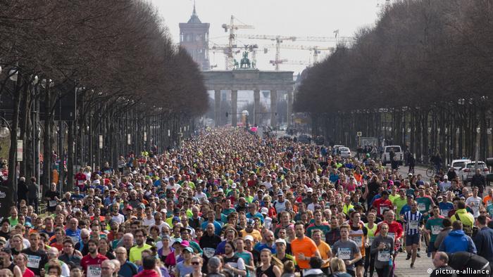 Deutschland, Brandenburger-Tor, 36. Berliner Halbmarathon