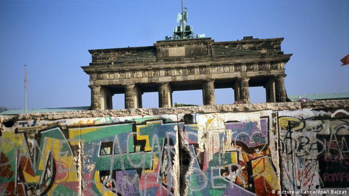 Deutschland, Brandenburger-Tor, Graffiti an der Berliner Mauer 1989