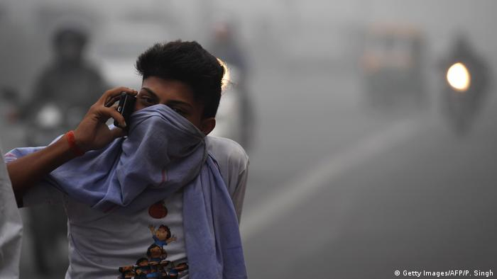 Indien Neu Delhi Smog (Getty Images/AFP/P. Singh)