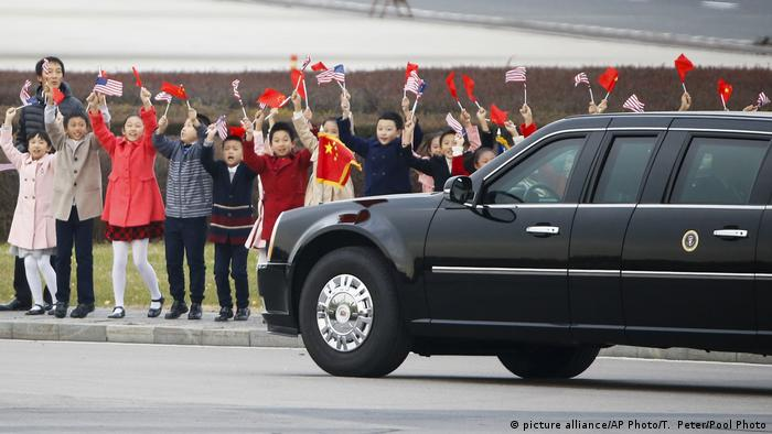 China Trump auf erster Asien-Reise (picture alliance/AP Photo/T. Peter/Pool Photo)