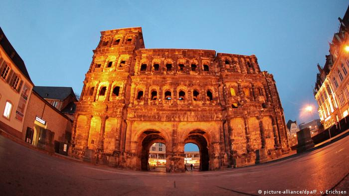 Porta Nigra in Trier (picture-alliance/dpa/F. v. Erichsen)