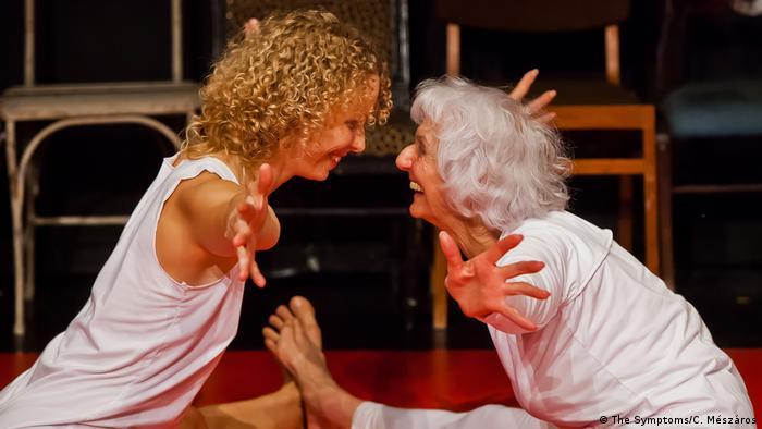 Éva Fahidi and Emese Cuhorka on stage