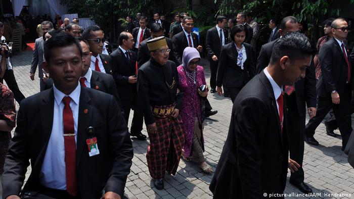 Die Trauung der Tochter des indonesischen Präsidenten Joko Widodo (picture-alliance/AA/M. Hendratmo)