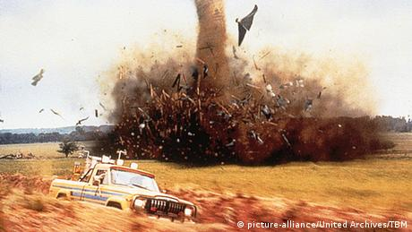 Film still - Twister (picture-alliance/United Archives/TBM)