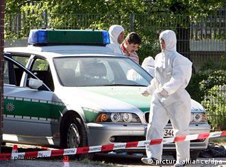 Police officers at the crime scene in Heilbronn in 2007
