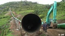 Global 3000 - Wasserkraft Uganda - Rohrbau durch Ugandas Berge