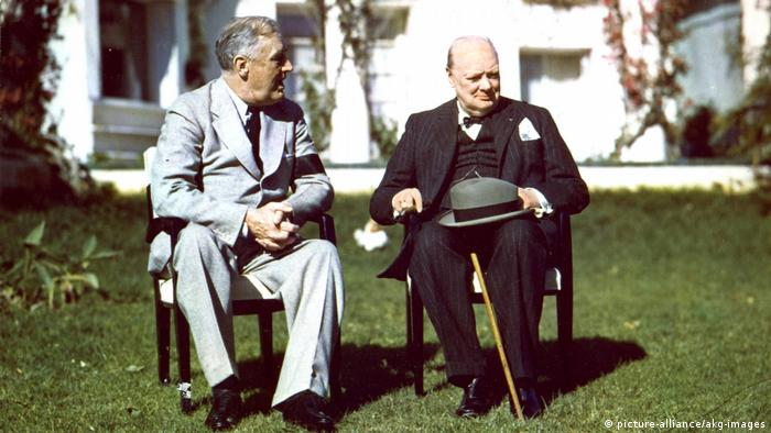 Konferenz von Casablanca 1943 / Roosevelt und Churchill (picture-alliance/akg-images)