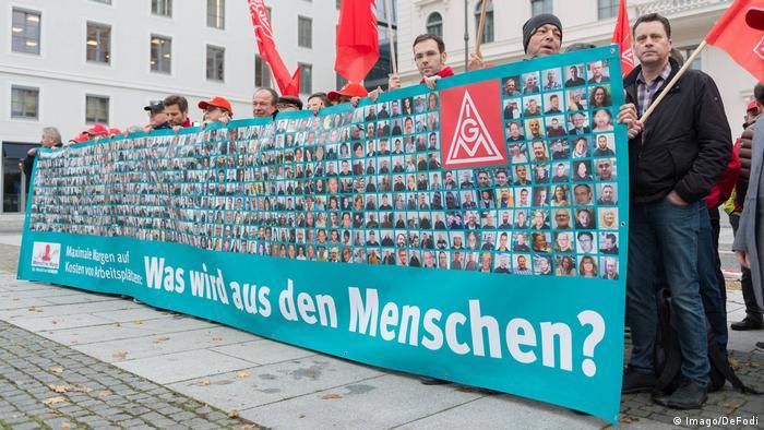 Deutschland Siemens Jahrespressekonferenz | Protest der IG Metall